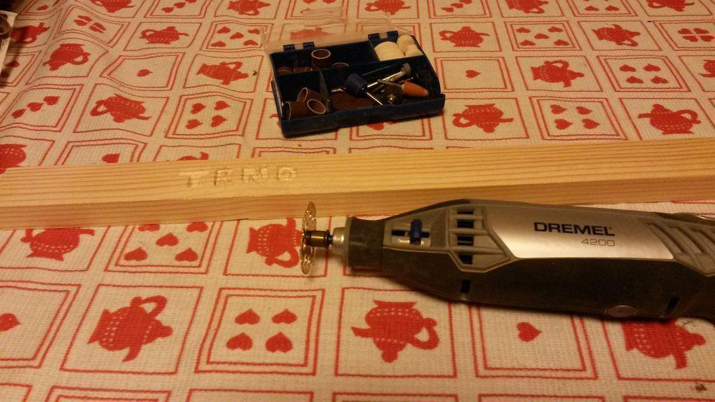 Test de gravure sur bois et de découpe avec la Dremel 4200