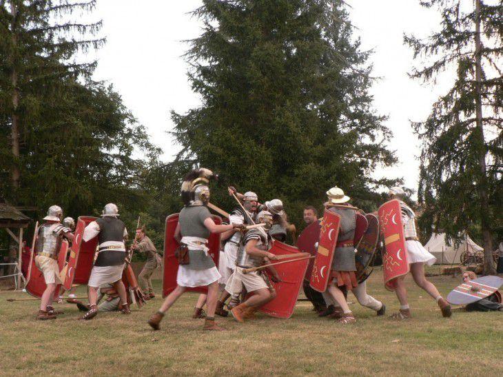 Reconstitutions de scènes de l'Antiquité, évènements à l'Archéosite