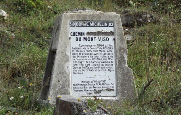 La borne Michelin du chemin du Mont Viso