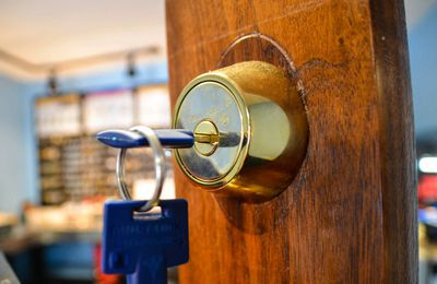 Essential Things you should know before Hiring Locksmith Service -  adelaidelocksafe.over-blog.com