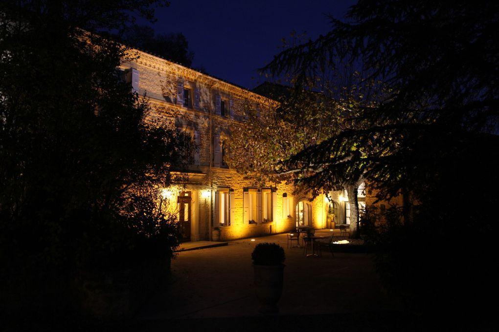 Au pied du village de Valaurie, le Moulin offre un cadre favorable à l'accueil de séminaires, avec ses 19 chambres et suites et ses deux ambiances de restaurant. © Jean Bernard