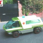 HEAVYWEIGHTS AMBULANCE REDLINE VINTAGE HOT WHEELS 1/64 - car-collector.net