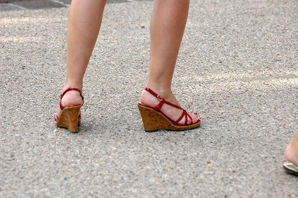 femme nu pieds chaussures bernieshoot