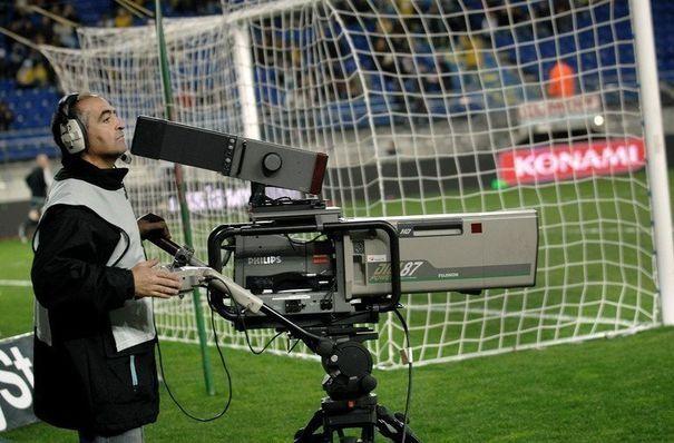 Droits TV (Ligue 1) : Canal+ et beIn Sports abattent leurs cartes