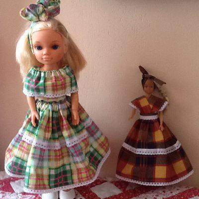 robe de poupée fait main