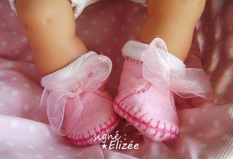 Trousseau : chaussons et chaussettes