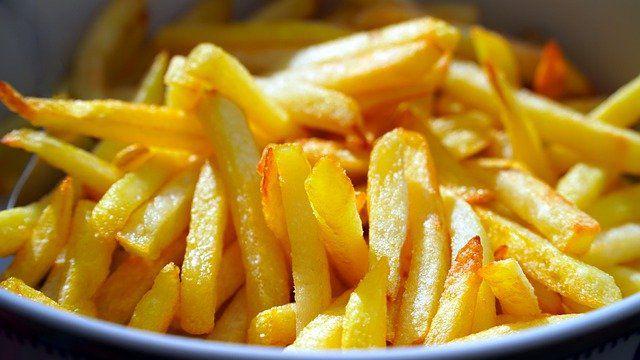 Accompagnement frites des andouillette à moutarde