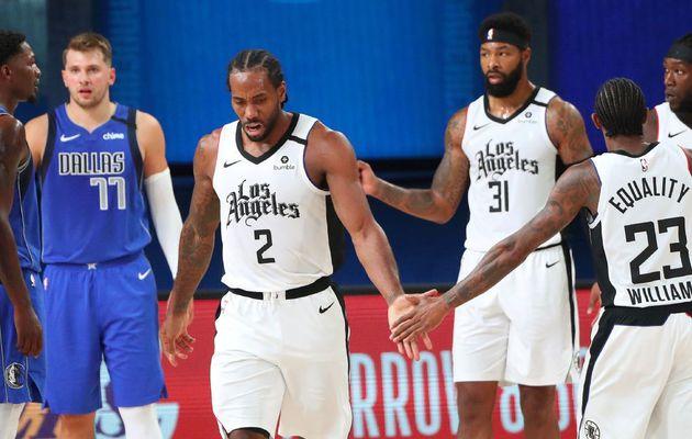 Les Clippers de Kawhi Leonard viennent à bout des Mavericks de Luka Doncic touché à la  cheville