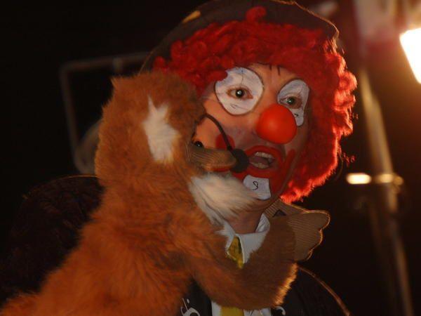 Mon ami le clown BIDOUILLE,qui était venus nous rendre visite dans la salle du Champilambart à VALLET(44),pour le plaisir des petits et des grands.....
