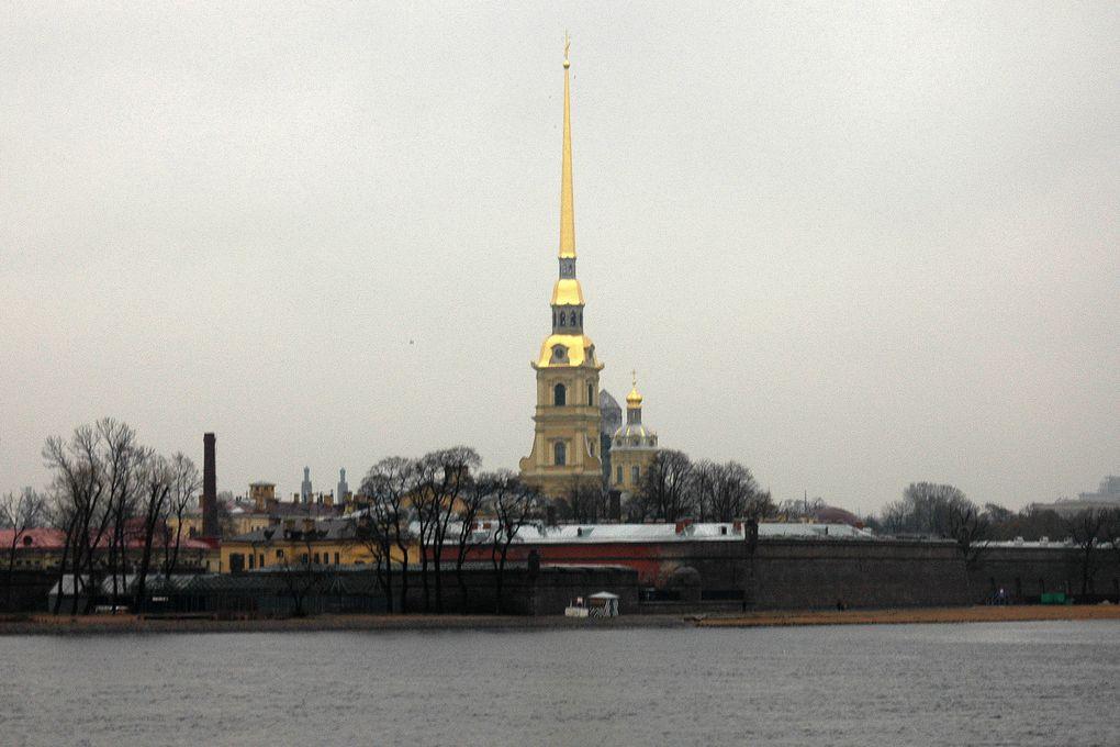 La forteresse Pierre et Paul, lieu de sépulture des empereurs russes.