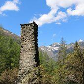 Balade en famille à Molines: les ruines du hameau du Roy - Hélène SF