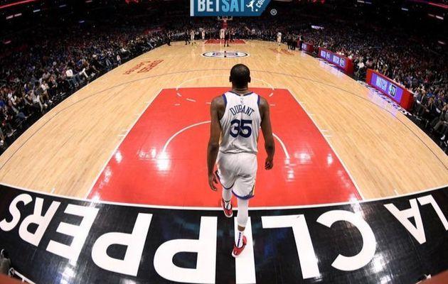 Kevin Durant signe une énorme performance pour qualifier les Warriors en demi-finale de Conférence Ouest !