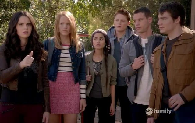 Critiques Séries : Switched at Birth. Saison 3. Episode 1. Drowning Girl.
