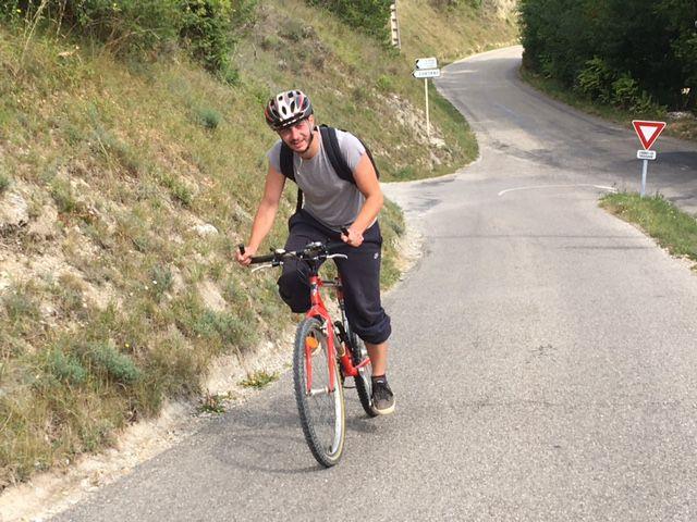 Axel, dans la montée au village de Cobonne