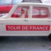 RENAULT 16 TS TOUR DE FRANCE AVEC CAMERA ET CAMERAMAN CORGI 1/36 PARAMOUNT PICTURES - car-collector.net