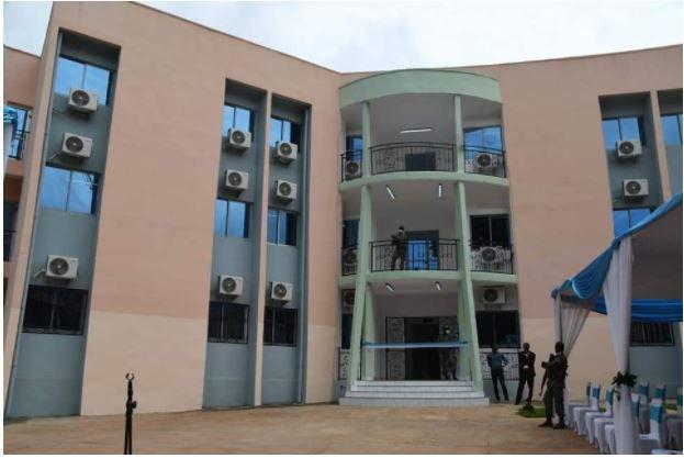 Le Président Touadera inaugure l'annexe du Ministère des Finances