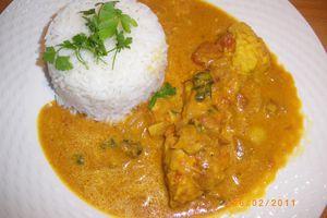 Dos de cabillaud au lait de coco et tomates parfumée au curry et curcuma