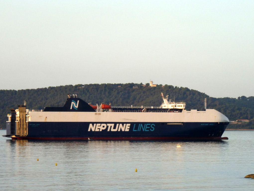 Neptune Aégli  , au mouillage en rade des vignettes à Toulon le  09 septembre 2016