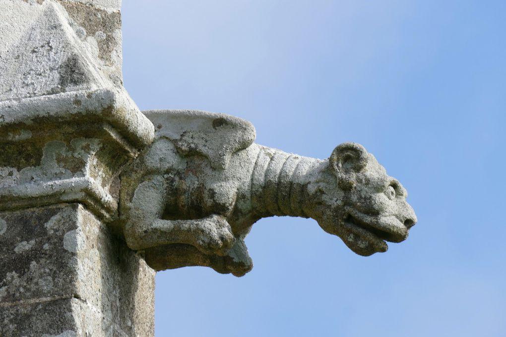 Clocher à double étage de cloche, Chapelle Saint-Yves, Priziac, photographie lavieb-aile.