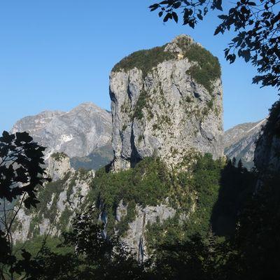"""Alpi Apuane: """"la dimora del sospetto"""" dell'Ariosto"""
