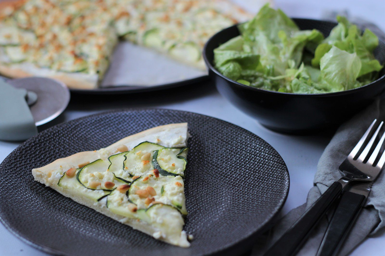pizza feta courgettes