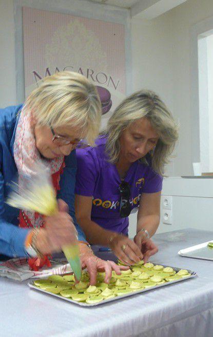 Concours de macarons et démonstration : Mercotte en guest star à Cook-shop Béziers