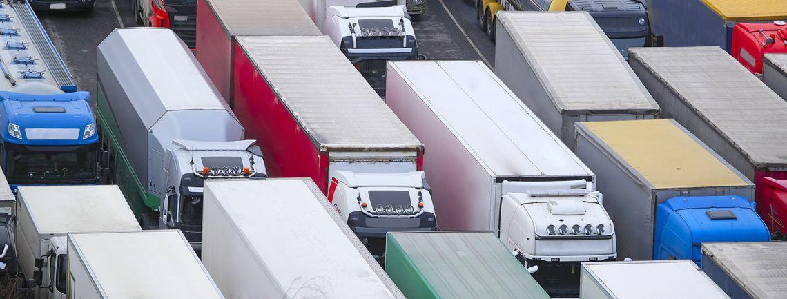 Los camioneros australianos se comprometen a bloquear las principales carreteras en una huelga radical contra el confinamiento