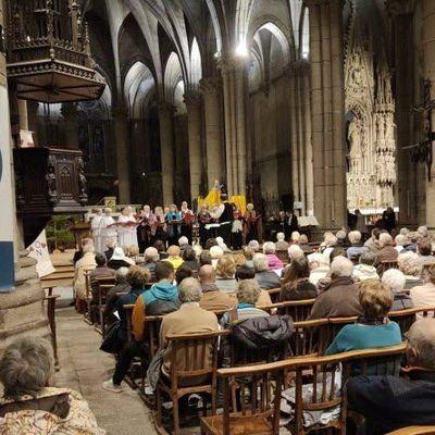 """Dimanche 22 décembre 2019 en l'église Saint Firmin de Firminy pour le concert de """"Noël Chœur et orgue"""" organisé par l'Association pour la Promotion de l'Enseignement de l'Orgue à Firminy. (3 photos)"""