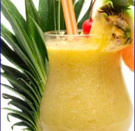 Bibita estiva di ananas e cocco: preparazione