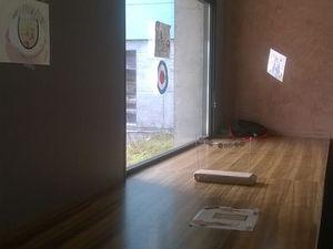Exposition des travaux dans le hall de la cité scolaire, avant les vacances de Pâques.