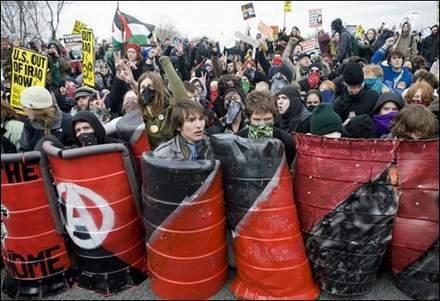 <p>Les Peuples veulent vivre en paix mais les diaboliques qui gouvernent le monde n'en ont rien &agrave; foutre de l'Humanit&eacute;. </p>