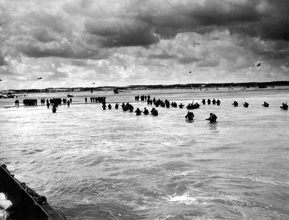 Images d'archive du débarquement via Shutterstock
