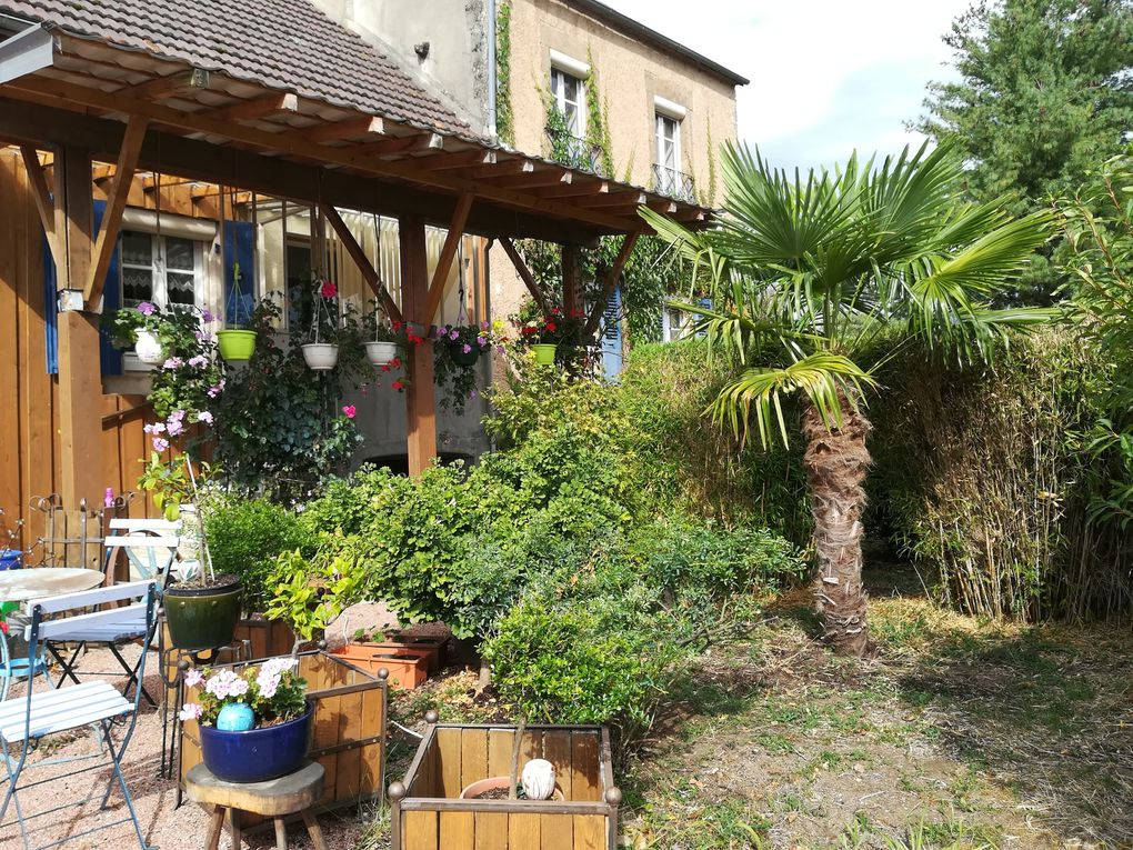 Old restaured farmhouse for sale in France Burgundy