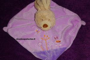 Doudou plat lapin Tex baby, rose violet , fleurs et papillons brodés- www.doudoupeluche.fr