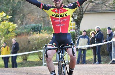 Résultats du cyclo-cross du CREPS de Poitiers à Vouneuil/Viard (86) - Nicolas Coste (US Saint-Pierre-des-Corps) a remporté, ce dimanche, le 7e cyclo-cross du CREPS de Poitiers à Vouneuil-sous-Biard (Vienne), organisé par le Cycle Poitevin. Il a devancé Baptiste Vadic (Creuse Oxygène Guéret) et Yohann Cron (UV Angérienne). - (Guy DAGOT - SudGironde-Cyclisme - Actualité - DirectVelo - Sly Sly Sport)