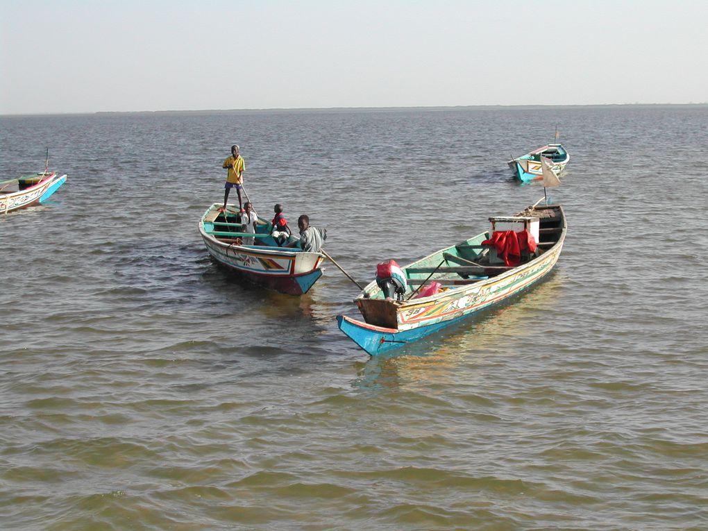 Une semaine de Noël sur le Bou El Mogdad, cargo retapé oh combien confortable, au gré des marées sur l'affluent du Salou à la rencontre des villages isolés