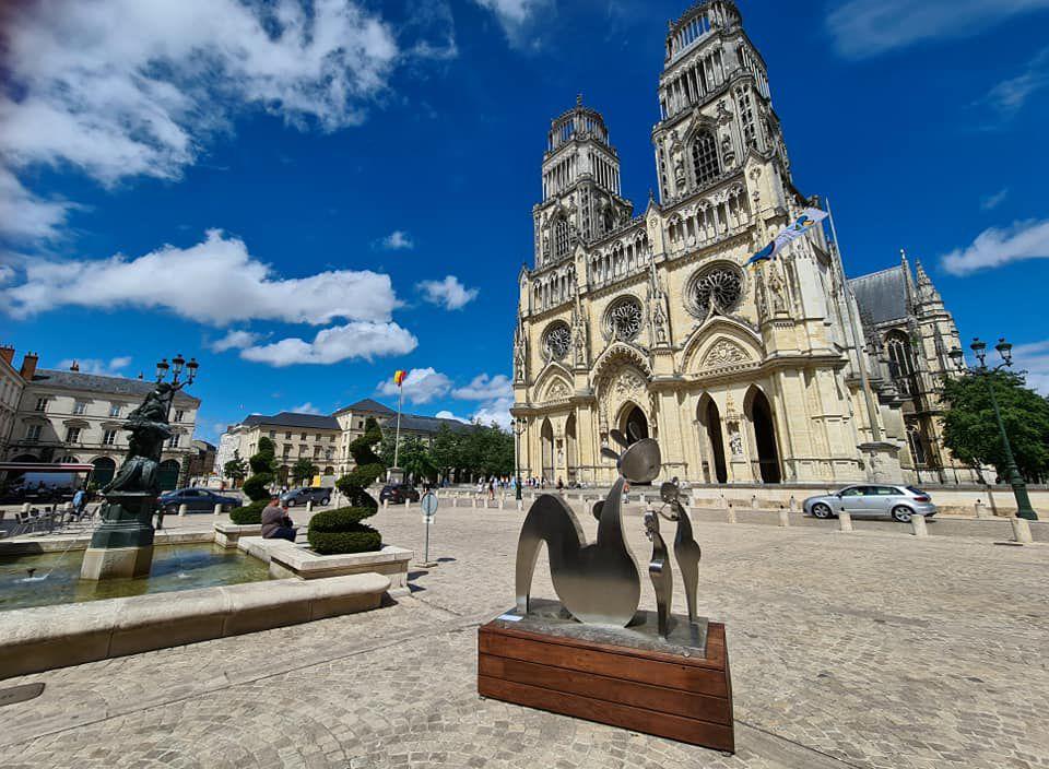 Orléans expose 8 œuvres de l'artiste Stratos disséminées en 6 lieux de la ville