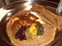 Le Restaurant Ethiopien Habesha : 19, rue Copreaux 75015 Paris. (Métro ligne 6 + 8min à pied)