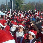 Natale: Torino invasa da Santa Claus - Photostory Curiosità - ANSA.it