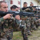 Le Centre Terre Pour le Partenariat Militaire Opérationnel se met à l'AK47
