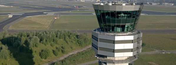 Transport Committee MEPs visit Belgian air traffic control centre