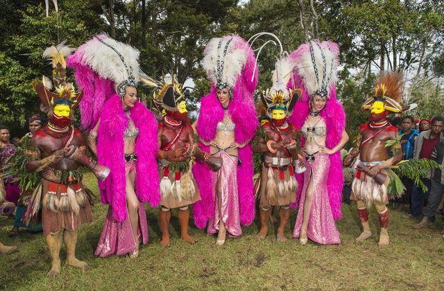 Inédit : le documentaire Danse avec les papous.