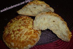 Petits pains aux graines et emmental