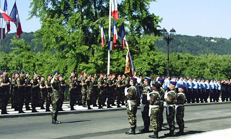 Pierre CHIAROTTO et Henri LERE parmi les porte-drapeau à la cérémonie du 8 mai 2011 à Mourenx