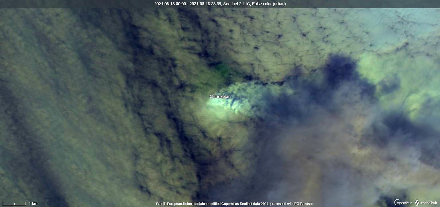Chirinkotan - activity of 18.08.2021 largely masked by cloud cover - image Sentinel-2 bands 12,11,4 / Copernicus