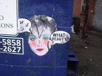 Stay Beautiful utilise souvent l'image de Madonna des années 1980. La chanteuse iconique se montre toujours sous son meilleur jour.