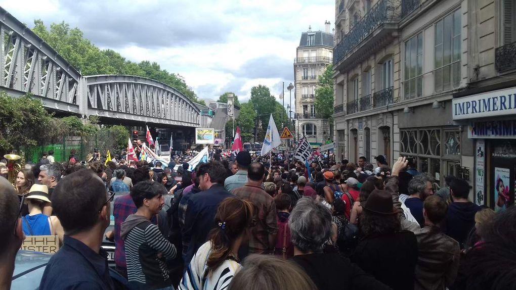 14 JUILLET 2017 A PARIS MANIFESTATION CONTRE MACRON ET LA LOI TRAVAIL