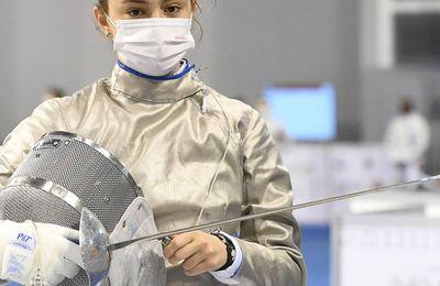 Nora Perroud (pro en escrime) fait une belle prestation aux championnats du monde 2021 au Caire.