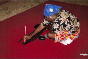 Ningura Napurrula : une toile somptueuse pour célébrer la fécondité du monde