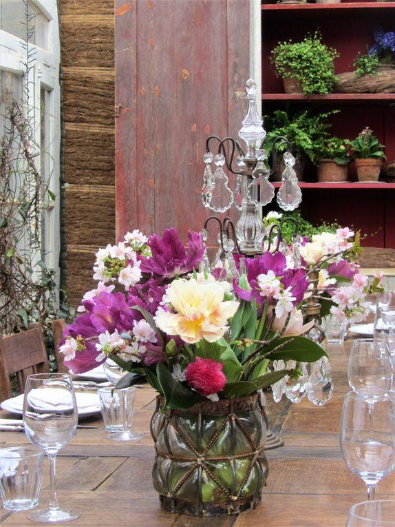 ...ici on mange au milieu des fleurs dans une atmosphère très détendue...